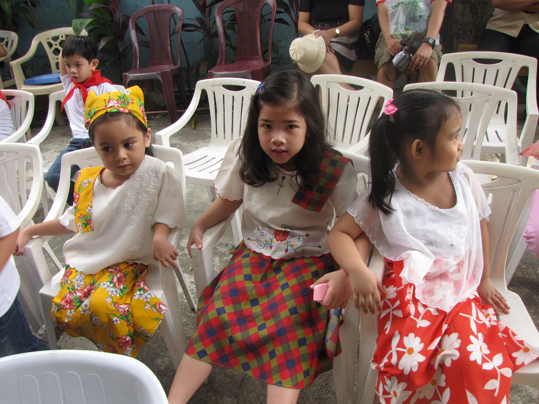 why do we celebrate linggo ng wika We don't just want our kids to celebrate this occasion we want  here are a few  other activities we can do with our kids for linggo ng wika.